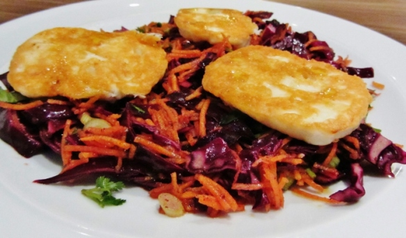halloumi pomegranite salad (700x412)