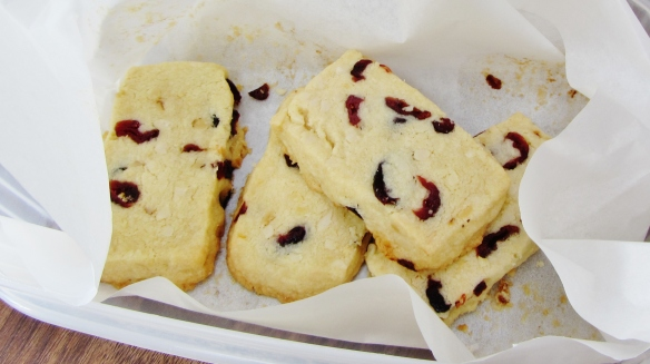 Easy biscuits filled with chopped nuts and cranberries