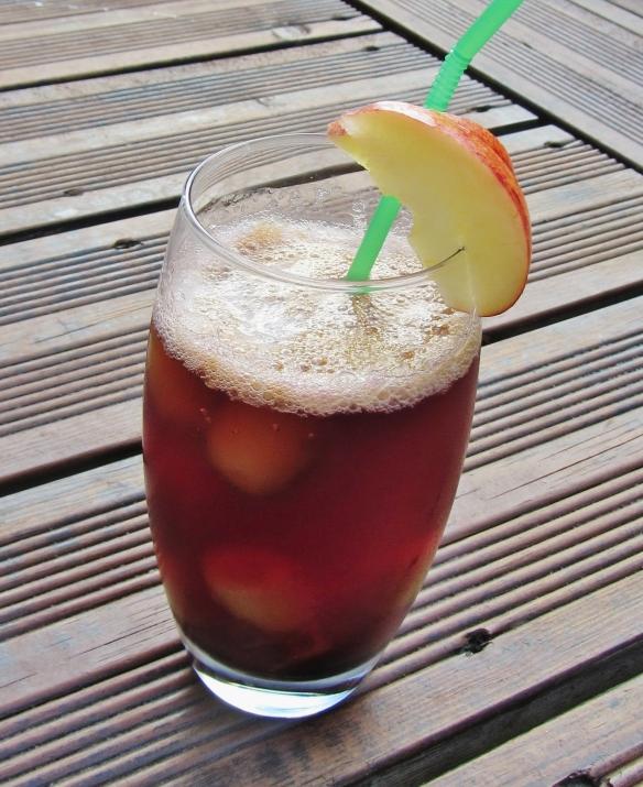 Pomegranate appletiser mocktail